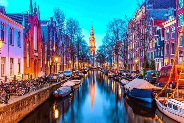 6-Day Amsterdam and Paris Tour Package w/ Brussels and Bruges